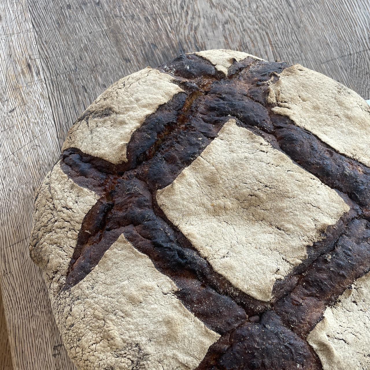 10月の月とピエロのパンの日